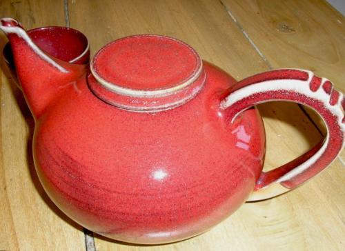 Théière rouge -1l-80€